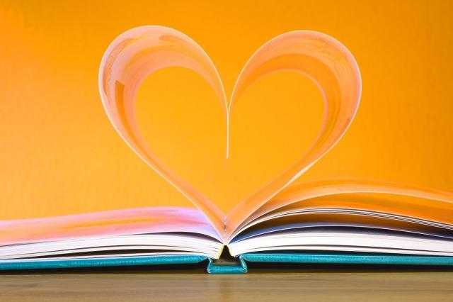 book-748904_1280